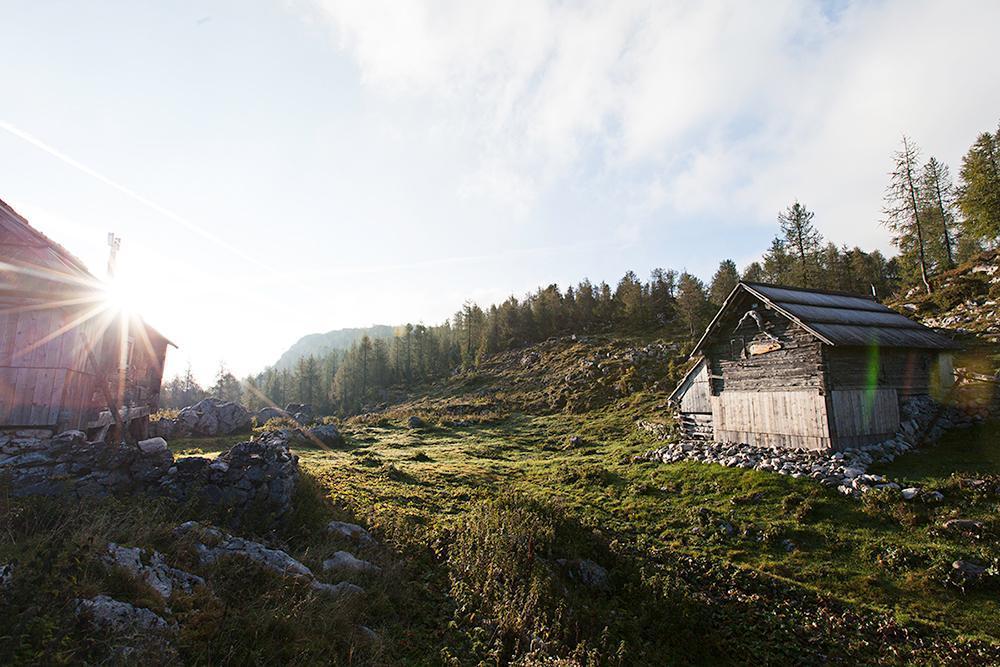Julijske-Alpe---Koča-pri-Sedmerih-Jezerih,-Tičarica-in-Zelnarica